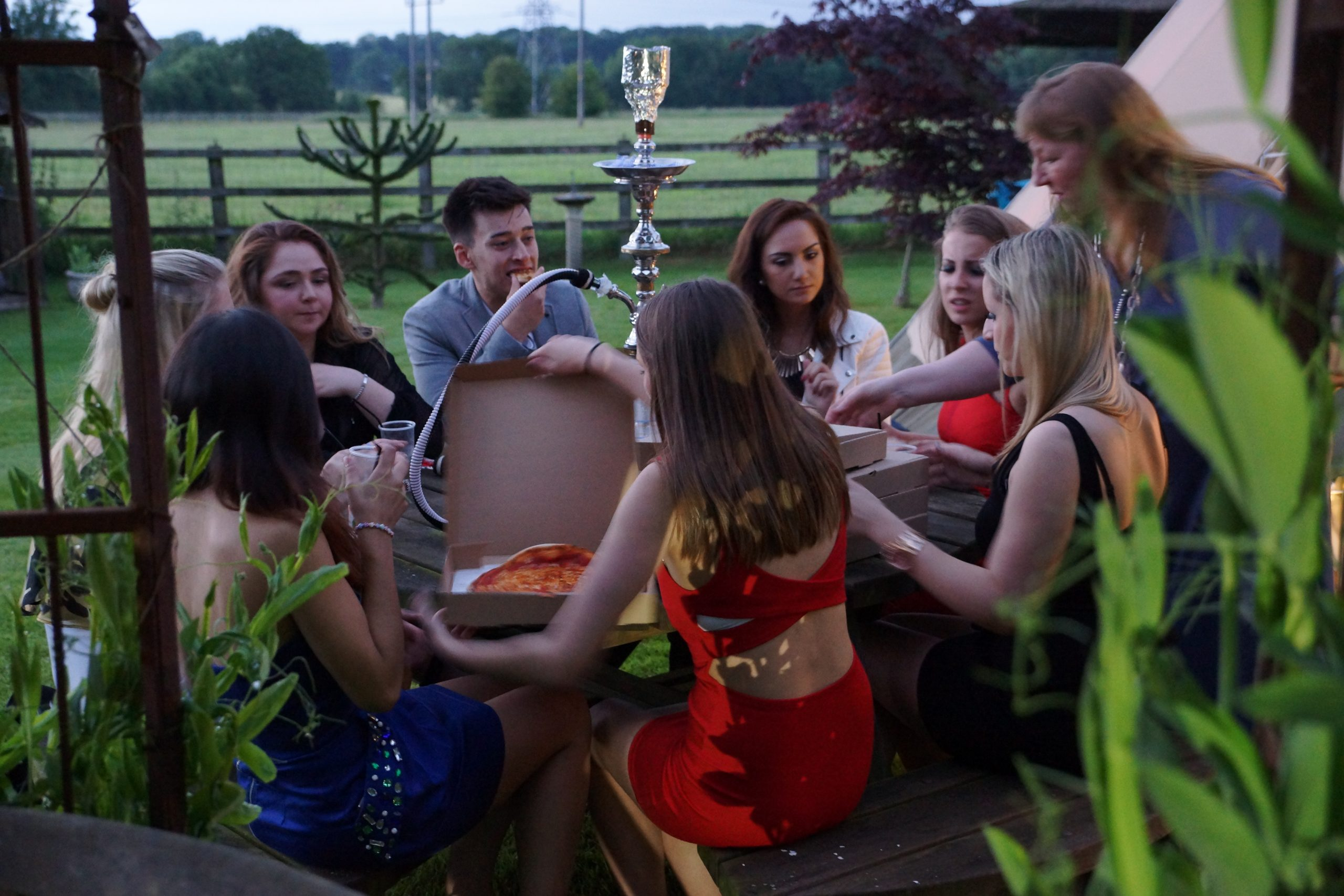 Luxury Shisha Hire Surrey Leatherhead Packages - Birthdays, House Parties, Corporate Events and Weddings